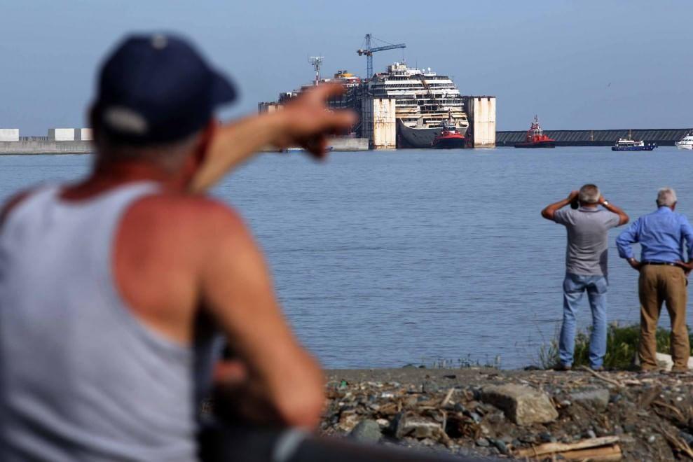 Concordia, il saluto dalle spiagge del ponente