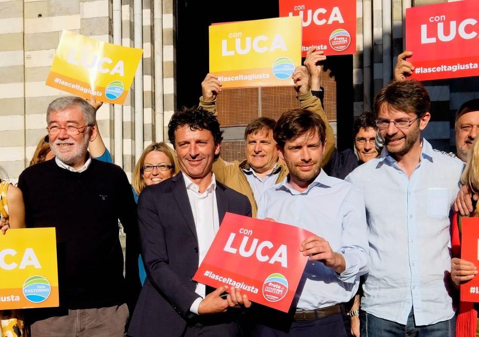 """Civati : """"Pier Luigi, perchè sei nella piazza sbagliata?"""""""