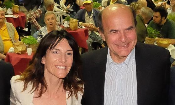 """Bersani: """"Per essere ascoltati bisogna esserci, per Lella il voto di tutti"""""""