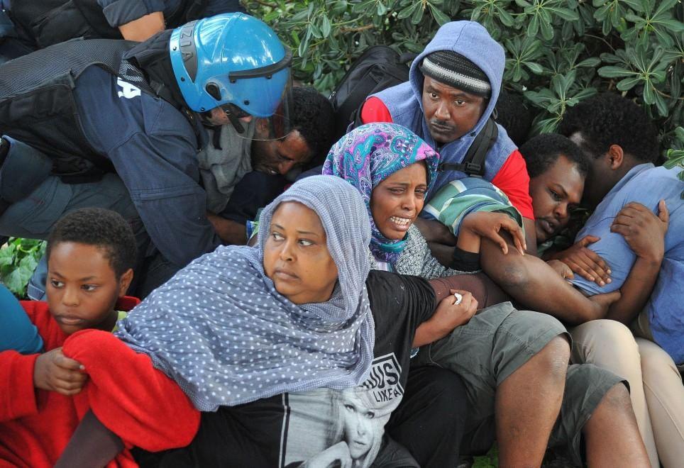 Ventimiglia, lo sgombero dei migranti