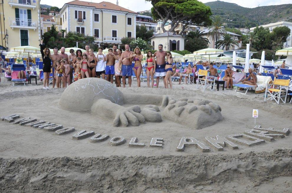Alassio la sfida dei castelli di sabbia ecco i pi belli - Immagini di spongebob e sabbia ...