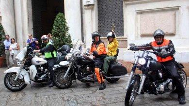 """Arriva in moto  """"La fiaccola dell'Amicizia""""   Ft     Vd"""