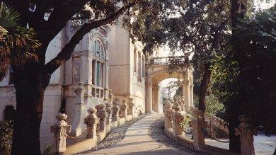 Villa Zanelli, il gioiello abbandonato  è in vendita, ma nessuno l'ha voluto    Le foto