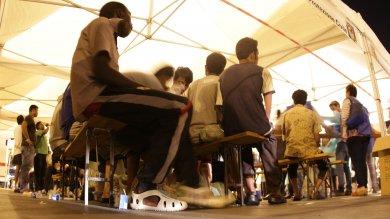 """Emergenza profughi, lo scatto di Tursi:  """"Pronti ad aprire anche le palestre"""""""