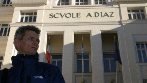 Giornalista pestato al G8, la Corte dei Conti condanna gli agenti a risarcire 110 mila euro