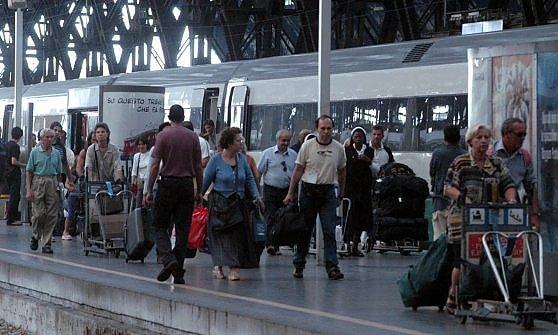 """Toti, """"Un'ora in treno tra Genova e Milano"""". Trenord lavora sull'ipotesi"""