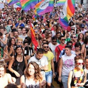 #SvegliaItalia, anche a Genova il corteo dei diritti, ma è battaglia su Toti al Family Day