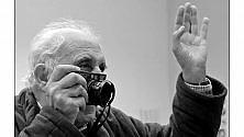 Uliano Lucas, dalle fabbriche ai giornali, il fotoracconto del lavoro  a Genova    Foto     Video