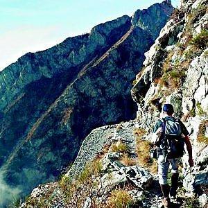 """Alta Via dei Monti Liguri lottizzata, l'alpinista Rixi premia il """"suo"""" Cai"""