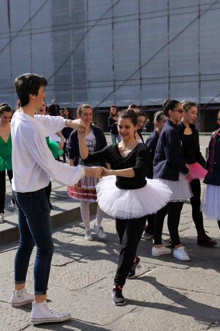 Genova, un concerto in piazza dei licei musicali contro la Buona Scuola