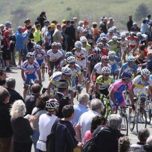 Al via il Giro dell'Appennino: per la prima volta sarà dedicato a Pertini