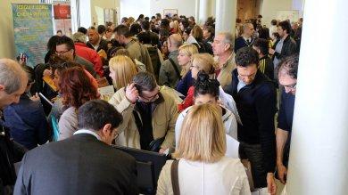 Corsi over 24,  l'assalto dei cinquemila  in cerca di  lavoro a Genova   Foto