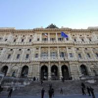 """""""Rubare per fame non è reato"""" Cassazione annulla condanna a homeless a Genova"""