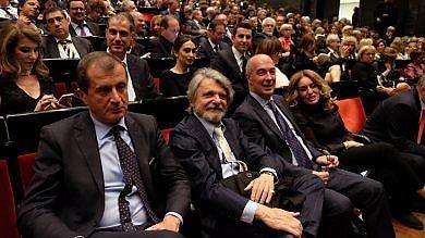 """Samp, Ferrero in teatro  alle prove generali della """"Tosca"""""""