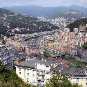 Case a Genova, gli affari al tempo della crisi, prezzi stracciati e vendite lampo