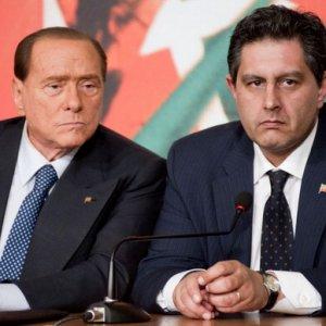 Toti supera Berlusconi (e Renzi) in popolarità nel sondaggio Tecné