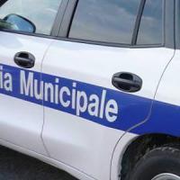 Genova, crolla soffitto in una casa dei vicoli, donna ferita