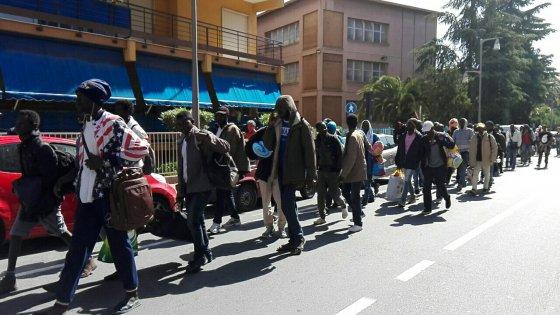 Ventimiglia, dopo la protesta e lo sciopero della fame i migranti accolti alla Caritas