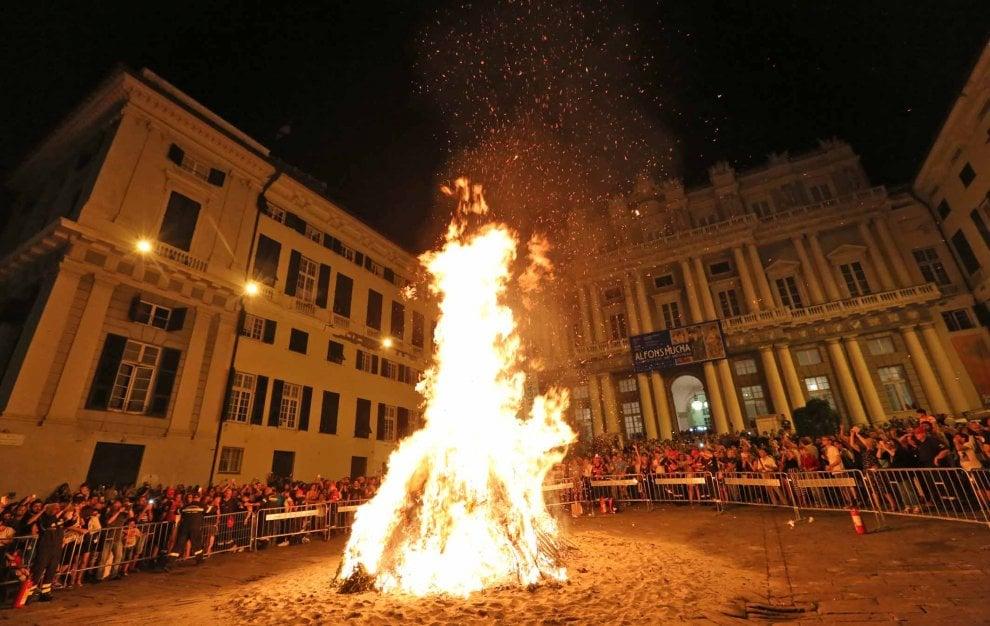 Falò di San Giovanni e Ghost tour, una notte nei vicoli di Genova