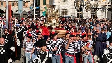 """La processione di San Giovanni Bagnasco: """"Non cedere alla sfiducia"""""""