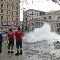 Esplode tubo dell'acqua e cede l'asfalto, zona Principe in tilt