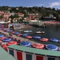Vacanze, gli italiani restano nei confini, la Liguria si aspetta il boom