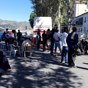 Ventimiglia,  il nuovo campo per i migranti, sette giorni per scegliere se restare o ripartire