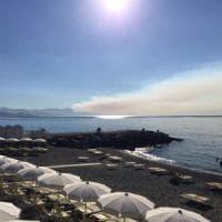 Incendi, fiamme sopra Bogliasco e Sanremo