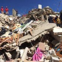 Terremoto, la Liguria si mobilita con medici e vigili del fuoco