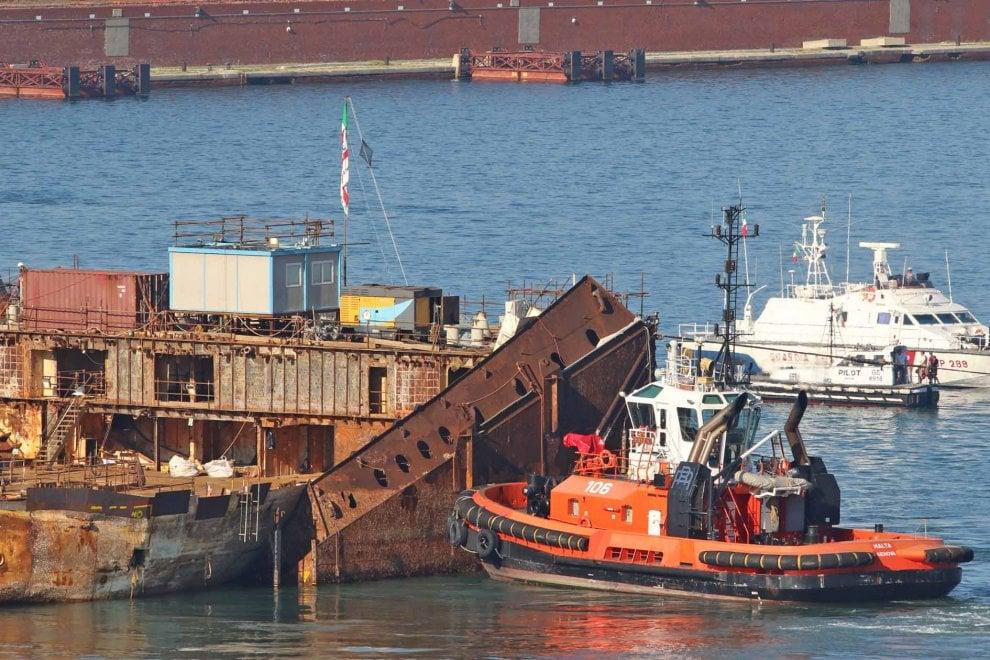 Concordia,  le dernier voyage 111329532-fe62894c-fa78-4ec2-86ff-4e6e4e0c9882