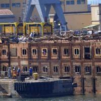 Concordia,  l'ultimo viaggio in porto a Genova