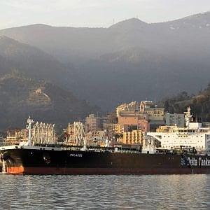 Il porto petroli di Genova ha perso il 30% dei traffici