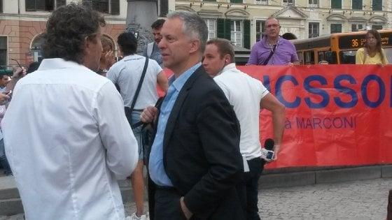 Ericsson, la decima protesta in piazza, con famiglie e sindaco