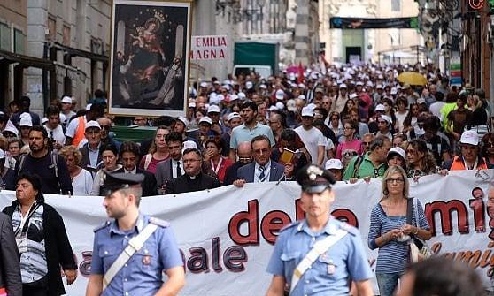 Migliaia di fedeli per l'Adorazione al Porto Antico di Genova