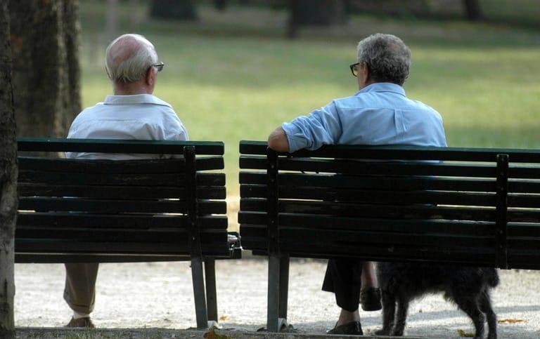 Aids, contagiati a 80 anni. In Liguria poca prevenzione, cento nuovi casi all'anno