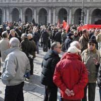 Genova, pensionati dello Spi Cgil in piazza contro il blocco Poletti