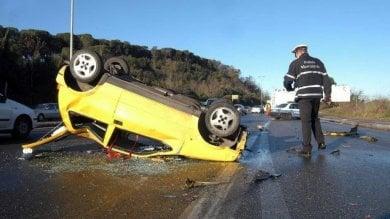 """Chat e Sms alla guida, incidenti in aumento, Cozzi:   """"Sequestrare lo smartphone"""""""