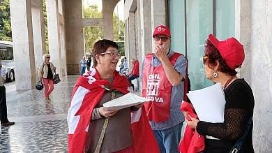 Pensionati in piazza a Genova contro  il blocco delle pensioni
