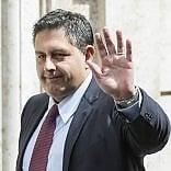Scintille Toti-Renzi, alla vigilia della visita del premier
