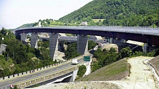 """Albenga-Garessio-Ceva, l'autostrada """"di carta"""" che da 50 anni produce denaro"""
