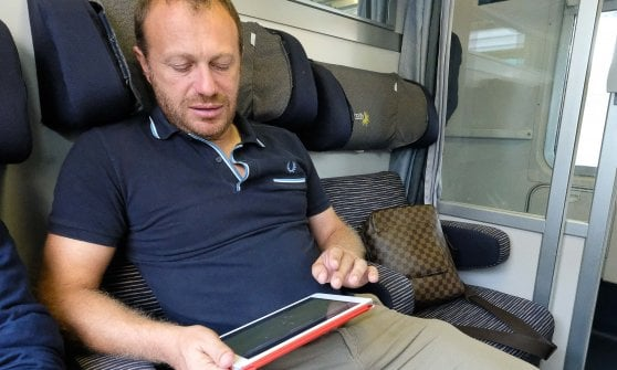 Breda, l'allenatore che prepara gli schemi in treno