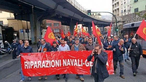 Genova, riparazioni navali in strada contro il trasloco dei cantieri