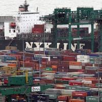 Genova, sequestrati in porto due container di giocattoli pericolosi