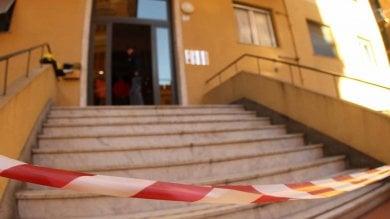 Genova, omicidio a San Fruttuoso: operaio spinto giù dalla tromba delle scale    Foto