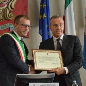 Ventimiglia, cittadinanza onoraria alla Polizia nel ricordo dell'agente Turra