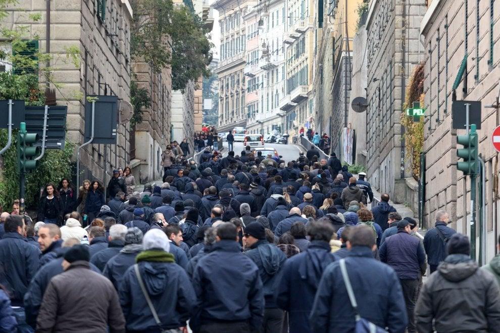 Atp, blocchi stradali in centro, traffico nel caos