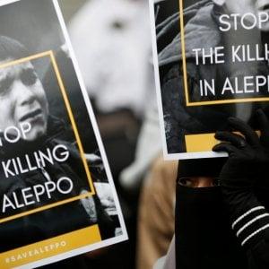 """""""Per Aleppo e per la Siria"""", si spegne l'albero di De Ferrari"""