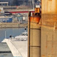 Genova, i resti della Concordia tra l'Expò turistico e i cantieri navali