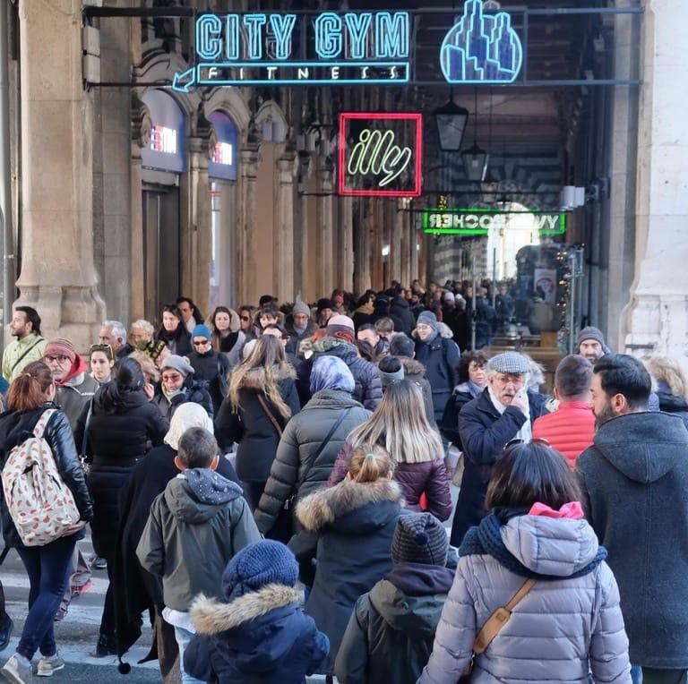 Offerte di lavoro a Roma: migliaia di annunci di lavoro di aziende. Scopri jelly555.ml! Scopri tutti gli annunci in Offerte di lavoro a Roma.