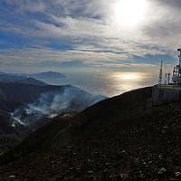 Incendi Genova: roghi domati, focolai sotto controllo